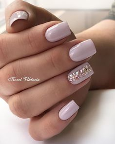 Lilac Nails With Acceted Finger ★ Looking for some wedding nails inspiration? Our collection of exquisite ideas will help you complete your bridal look. Save these ideas for later. 10 Simple Fourth Of July Nails To Keep You Minimalist Pretty Nail Designs, Short Nail Designs, Nail Art Designs, Beautiful Nail Art, Gorgeous Nails, Pretty Nails, Bride Nails, Wedding Nails, Pink Nails