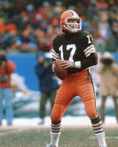 Brian Sipe Cleveland Browns   BRIAN SIPE CLEVELAND BROWNS 8X10 SPORTS ACTION PHOTO (MIT-3) at Amazon ...