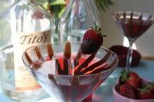Valentine's Day Chocolate-Covered Strawberry Martini | Live Pretty