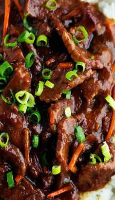 Slow Cooker Mongolian Beef - Beef that slow cooks to tender melt in your mouth perfection. This takes minutes to throw into the crockpot and has such amazing flavor! One of the best things that you will make in your slow cooker! Healthy Crockpot Recipes, Slow Cooker Recipes, Beef Recipes, Cooking Recipes, Crockpot Meals, Chicken Recipes, Cooking Tips, Sirloin Recipes, Eating Clean