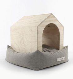 The Six Hands dog house set is a beautiful piece of modern and minimalistic design. It uniquely combines two very important elements that your dog needs- a shelter that gives your four legged friend a sense of their own space and a comfortable bed to lie and relax on.  More about Dog House Set: Naturaly Comfortable