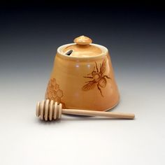 Honey pot in amber glaze with bees buzzing by emilymurphy on Etsy, $50.00