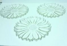 """Vintage Sunflower Clear Glass Serving Trays/ Plates 10.25"""" Diameter"""