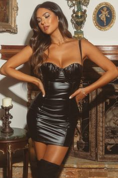 Black Leather Shorts, Leather Mini Skirts, Leather And Lace, Dresses With Leggings, Tight Dresses, Sexy Dresses, Girls Night Out Outfits, Hot Outfits, Fashion Models