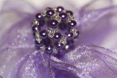 Perlenkugel Tutorial auf DeinDIY https://www.deindiy.de/schluesselanhaenger-selbst-gestalten/ #deindiy #perlenkugel