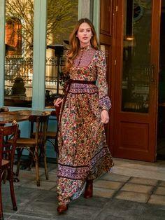burda style, Schnittmuster - Hochgeschlossenes Landkleid im Western-Stil in Maxilänge und aus leicht flatterndem Musseline im Folklore-Stil. Nr. 101 aus 9-2015