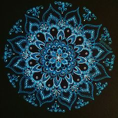 """Life has given me more than I deserve. They say that gratitude is happiness doubled by wonder and I couldn't agree more but it is also humbling and a call to give back. """"Spirit of the holidays"""" 164/200 #mandala #zentangle"""