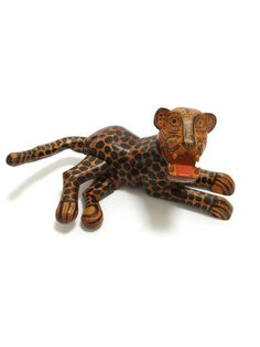Jaguar Carving | Jaguar Tallado a Mano en Madera Mexican Folk Art from Chiapas www.chiapasbazaar.com online handicrafts store