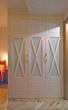puerta lacadas en blanco con aspa