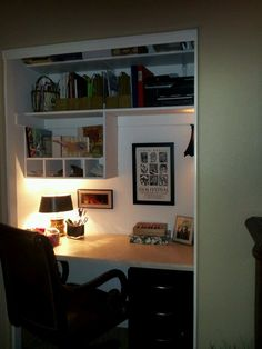 Turn the Closet into A Small Office Space (Genius!)