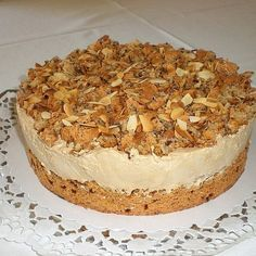 Eiskaffee – Sahne – Torte Ice coffee – cream cake, a good recipe from the category baking. Cookies And Cream Frosting, Strawberry Cream Cheese Frosting, Oreo Buttercream, Torte Recipe, Vegan Carrot Cakes, Oatmeal Cream Pies, Baking Cupcakes, Frosting Recipes, Cookies Et Biscuits