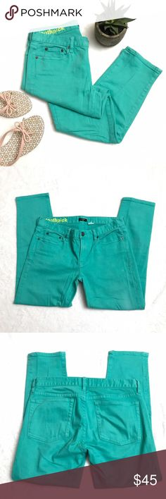 """J. CREW Turquoise Toothpick Skinny Crop Jeans J. CREW Turquoise Toothpick Skinny Crop Jeans size 28. Eye popping summer color! Excellent condition. Waist measures 15.5"""" flat across, rise is 8"""" and inseam is 25"""". J. Crew Jeans Ankle & Cropped"""