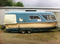 Camper Boat, Tent Campers, Cool Campers, Camper Life, Trailerable Houseboats, Shanty Boat, Vintage Travel Trailers, Vintage Campers, Retro Campers