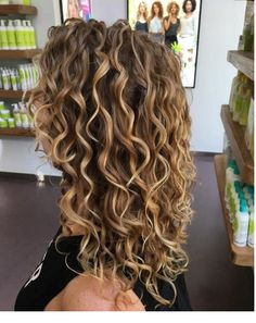 What a great day at mydevacurl Head Colorist rachael_devacurl worked her magic on my single processed dull mousy dark blonde hair Blonde Curly Hair, Colored Curly Hair, Curly Hair Cuts, Short Curly Hair, Kinky Hair, Medium Curly, Perms For Long Hair, Color For Curly Hair, Layered Curly Hair