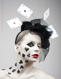 Poker face By: Ivan Mladenov -- easy Halloween costume idea! Again the makeup is killing me! Halloween Costumes To Make, Halloween Diy, Halloween Masker, Bricolage Halloween, Halloween Halloween, Fantasy Make Up, Manualidades Halloween, Theatrical Makeup, Special Effects Makeup