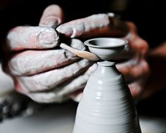 Size does matter, writes Tacoma, Washington artist Jon Almeda on his pottery website. Tiny hand thrown ceramics at scale are now Almeda's specialty, despite starting his career with much bigger pieces. Ceramic Techniques, Pottery Techniques, Ceramic Decor, Ceramic Clay, Pottery Vase, Ceramic Pottery, Pottery Wheel, The Potter's Hand, Cerámica Ideas