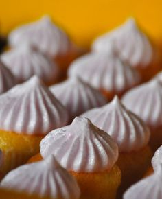 Cupcake Baking Demo & Recipes by Nikko Buendia @ The Maya Kitchen Culinary Arts Center – Pinoy Food Cravings Cupcakes With Cream Cheese Frosting, Mini Cupcakes, Creative Food Art, Muffin Tin Recipes, Pinoy Food, Mini Muffins, Culinary Arts, Food Cravings, Sweet Bread