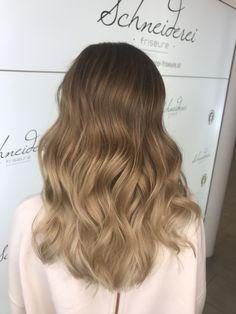 Blonde balayage hair Blonde Balayage, Long Hair Styles, Beauty, Shaving Machine, Barber Salon, Hair Stylists, Balayage Hairstyle, Dressmaking, Shaving
