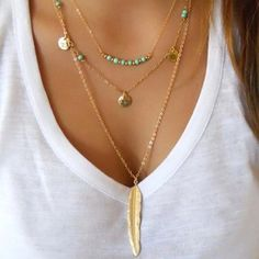 Description Product Name? Layered Turquoise Embellished Leaf Feather Necklace Brand Name Geoju SKU Material Alloy Package Included ? Dainty Gold Necklace, Feather Necklaces, Moon Necklace, Rhinestone Necklace, Crystal Necklace, Silver Necklaces, Short Necklace, Silver Jewellery, Pendant Necklace
