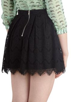 if only this had pockets... im looking for a nice short-ish black skirt with pockets!