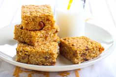 Pumpkin Oatmeal Breakfast Bar is a gluten free breakfast bar made from rice cereal, pumpkins and dry fruits. These bars are delicious, quick and simple to make that can be packed into the kids lunch boxes or even taken as a snack for trekking. Pumpkin Oatmeal, Baked Pumpkin, Baked Oatmeal, Pumpkin Granola, Pumpkin Bars, Pumpkin Puree, Cereal Recipes, Oatmeal Recipes, Recipes Using Rice