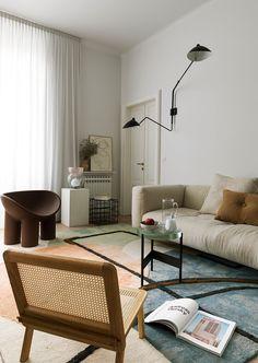Greta Cevenini's Milan Apartment. - Greta Cevenini's Milan Apartment. Living Room Interior, Home Living Room, Living Room Designs, Italian Interior Design, Interior Styling, Living Room Inspiration, Interior Inspiration, Design Inspiration, Contemporary Living