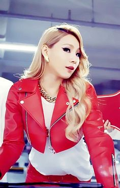 Image in kpop collection by juny on We Heart It Cl Fashion, Asian Fashion, Asian Woman, Asian Girl, Short Wedge Hairstyles, Chaelin Lee, Rapper, Lee Chaerin, Cl 2ne1