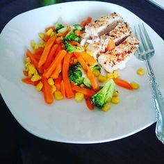 Eat clean & feel good!  #shred #lowcarb #chicken #body #jym #bodybuilding #yeahbuddy #Auckland #foodporn by jouteii