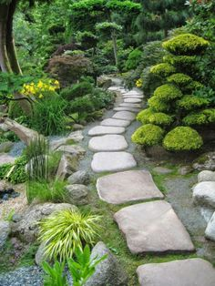 Path design ideas to makeover your front yard (27)