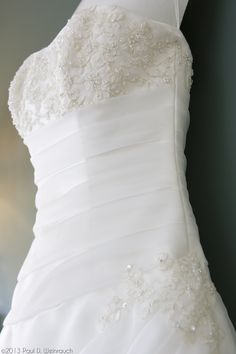 What gorgeous detail on this #wedding #dress - ©2013 Paul D. Weinrauch   Source: weinrauchphoto.com