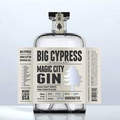 Label for craft Whiskey or Gin bottle Product label contest winning Gin Quotes, Gin Brands, Hotarubi No Mori, Gin Recipes, Gin Gifts, Drink Labels, Bottle Packaging, Soap Packaging, Liquor Bottles