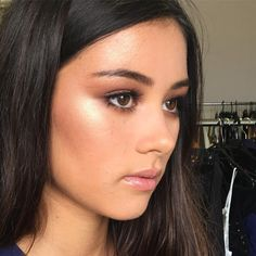 When you pair @beccacosmetics Champagne Pop with @lauramercier Indiscretion ✨✨✨ @mahaliaxhenderson for @peppermayo
