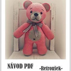 Návod na háčkovaného medvídka Retrouška Crochet Animals, Handmade Toys, Teddy Bear, Children, Crochet Projects, Decor, Amigurumi, Craftsman Toys, Dekoration