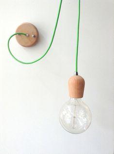 Legno a mano Ciondolo luce lampadario Edison di LightCookie