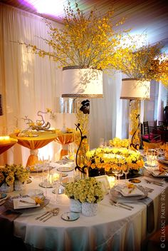 Awesome centerpiece idea for any color scheme