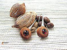 Free shipping,Natural Earrings,Wooden earrings,Handcrafted Earrings,Earrings boho,Bohemian earrings,Boho,Wooden jewelry,Earrings red garnet,