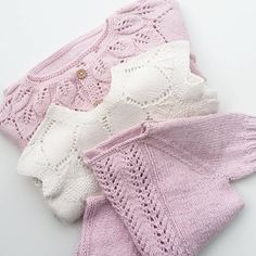 Knitting For Kids, Knitting Projects, Baby Knitting, Crochet Baby, Knit Crochet, Baby Sweater Knitting Pattern, Baby Girl Patterns, Newborn Outfits, Baby Sweaters