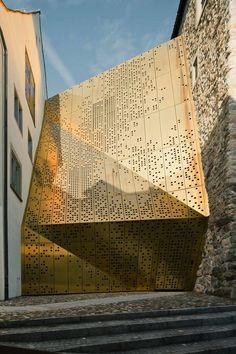 Architecture. Janus, an addition to the Rapperswil-Jona Municipal Museum.  Architect: MLZD.
