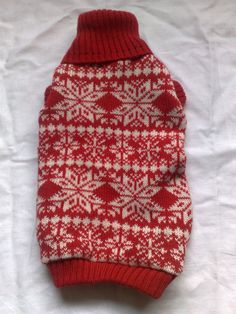 14/12 CATS & DOGS - Christmas knitted traditional fair isle patterned dog jumper, coat size small., by williratbag, £20