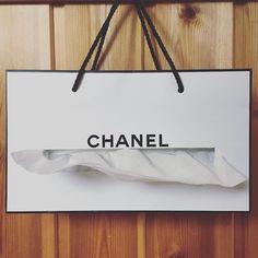 オシャレだから捨てがたい…大好きな柄は「紙袋リメイク」で再利用しちゃおう!   GIRLY もっと見る
