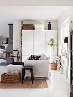 Made In Persbo: I bokskogen Living Room Inspiration, Interior Inspiration, Scandinavian Home, Interior Exterior, Home Decor Furniture, Beautiful Interiors, Home Living Room, Interiores Design, Home Fashion