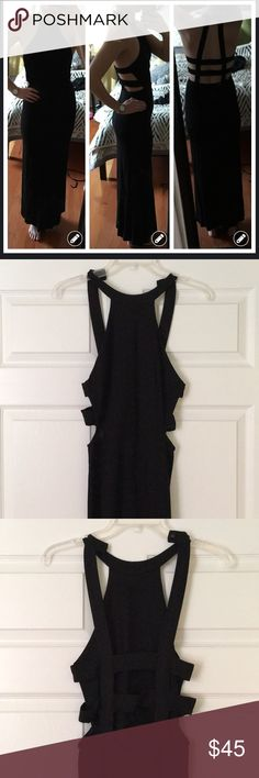 """Tobi Black maxi dress Worn once to a gala! Like new.  Can be dressed up or down. Stretchy and flattering!  I am 5'8"""" and it falls about 2"""" above the ground. Tobi Dresses Maxi"""