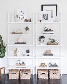 DIY Shelf - Get the Look: Modern Bookshelf Styling Modern Bookshelf, Bookshelf Styling, Organizing Bookshelves, Bookshelf Ideas, Bookshelf Decorating, Living Room Decor, Bedroom Decor, Bedroom Ideas, Bedroom Furniture