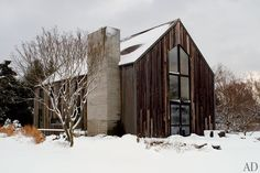 Much of its exterior was replaced with siding salvaged from a 200-year-old Canadian barn. Description from pinterest.com. I searched for this on bing.com/images
