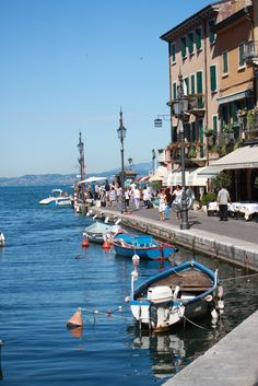 Lazise Lake Garda, ook hier liggen voetstappen van mij....  ✈✈✈ Don't miss your chance to win a Free Roundtrip Ticket to Verona, Italy from anywhere in the world **GIVEAWAY** ✈✈✈ https://thedecisionmoment.com/free-roundtrip-tickets-to-europe-italy-verona/