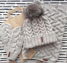 Купить или заказать Комплект шапка+снуд+варежки в интернет-магазине на Ярмарке Мастеров. Теплый комплект из шапки, снуда и варежек. Выполнен из качественной шерсти, что позволяет не мерзнуть в нем даже в сильный мороз. Шапка украшена съемным помпоном из натурального меха чернобурки. Возможно выполнить в любом цвете. Knit Beanie, Knitted Hats, Shawl, Free Pattern, Knit Crochet, Scarves, Winter Hats, Photoshoot, Knitting