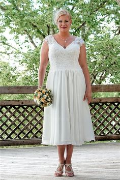 Plus Size Special Occasion Dresses V Neck Cap Sleeve Black Lace