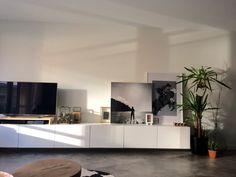 Ikea Hack. Living room Muebles Rack Tv, Up House, Ikea Hacks, Home Living Room, Decoration, Home Organization, Beach House, Fur, Interior Design