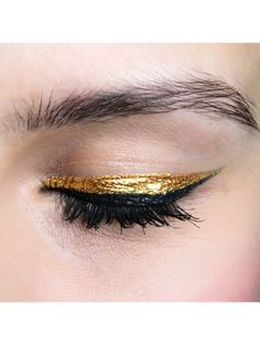 2. Zwart met gouden eyeliner @ Mischka a/w 2014| ELLE