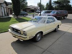 1977 ford mustang yellow